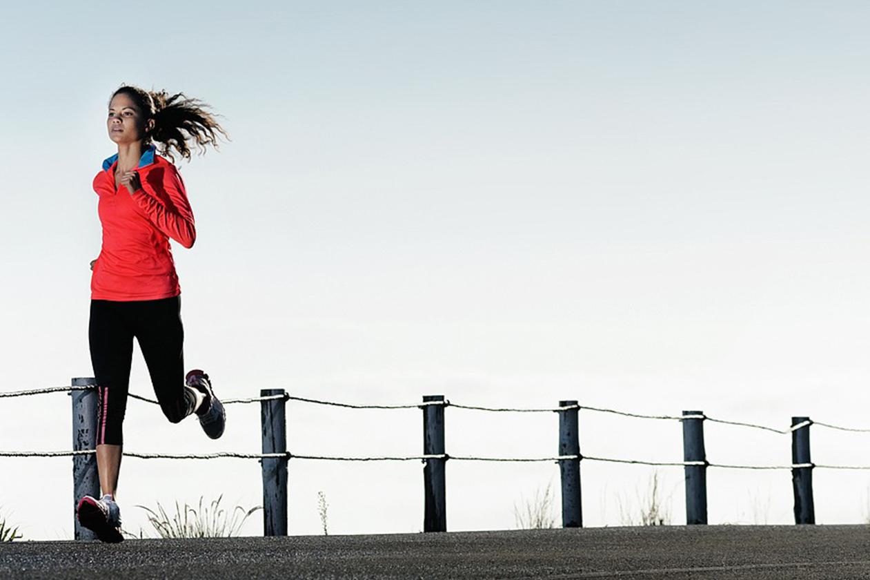 Correr ou praticar exercícios em jejum para emagrecer faz mal?